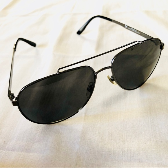 f739650e3a Gucci Accessories - Gucci Unisex Aviator Sunglasses